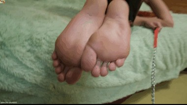 n072 Feel the taste of Lady Joel's dirty feet. She didn't wash her legs.
