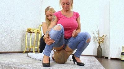 Double Jeans Facesitting