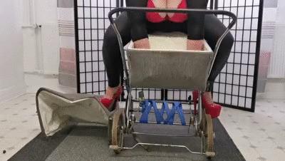 Pram crush -  Stretching and bouncing around in the pram tub