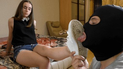 DIANA - Evening after university - Sneakers, socks and foot worship (mp4)