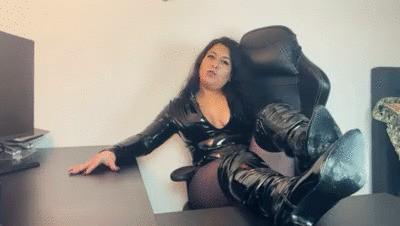 Türkisches Bossgirl!