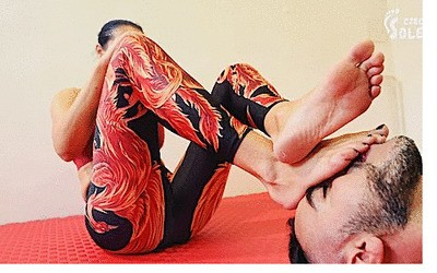 Mixed wrestling foot domination