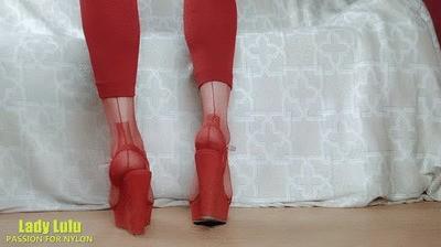 Lady Lulu red highheel shoeplay