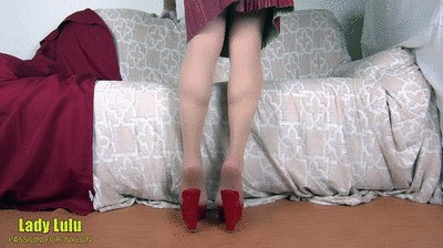 Addicted to sheer nylons