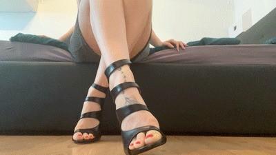 Submissive foot servant - brain fuck