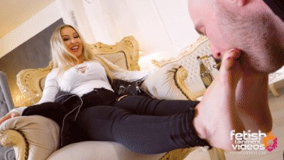 20 minutes foot worship session with Goddess Sheila