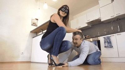 Trampling hands - a tutorial for your wife!