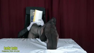 Relax nylon footshow