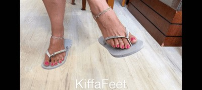 Goddess Kiffa - JOI Sexy Flip flops barefoot soles and pink toes - FOOT WORSHIP - DANGLING - FLIP FLOPS - SOLES - FOOT SNIFF - ANKLETS - TOE RING - EXIBICIONISM - FOOT POV