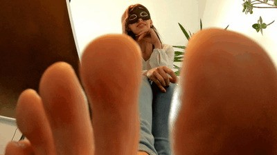 It's dangerous for you in the giantess' office