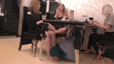 ANGELINA - Stupid whore under the table at a meeting with friends (wmv)