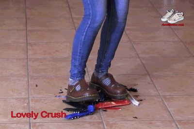 DM schoolgirl shoes on toy trucks 1A (0227)