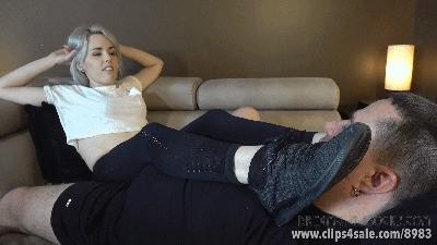 Sadie's Sweaty Feet Challenge - (Full HD 1080p Version)