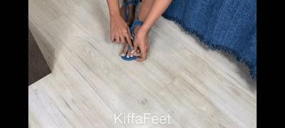 Kiffa Wiggling toes in blue sandals - JOI
