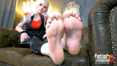 Lick my bare feet now