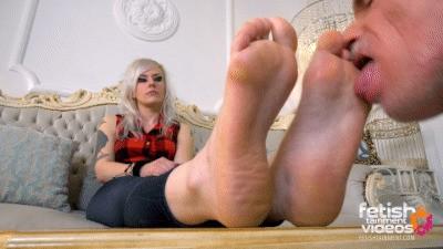 Lick my big soles now