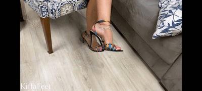 Goddess Kiffa - Sexy Psychologist tricks foot fetishist seduces him  Part 2 Foot Worship - FINDOM
