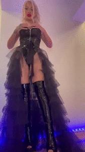 I am your Queen