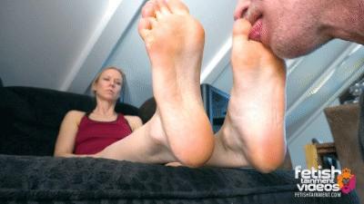 Lick my sweaty feet after biking tour