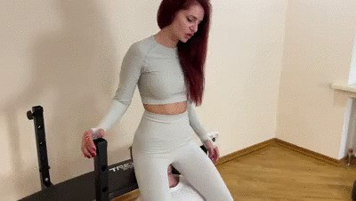 Full Weight Facesitting In Yoga Pants Instead Of Exercising
