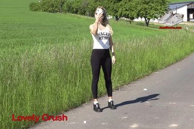 Girl in Steve Madden shoes crushing 4K (0241)