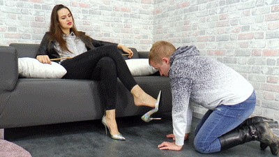 Blowjob training because of a customer complaint