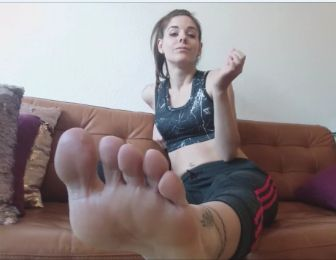 Lick my sweaty feet SHITFACE !