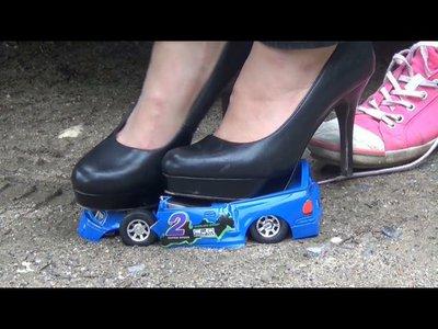 Lumen obliterates the blue toycar